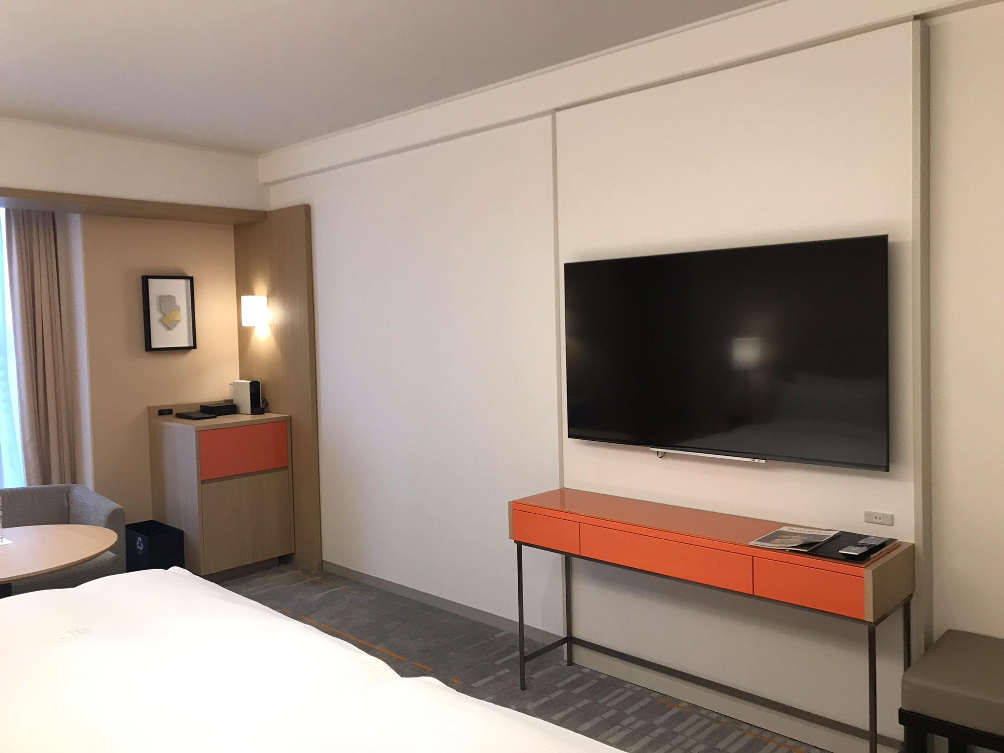 室内のテレビ
