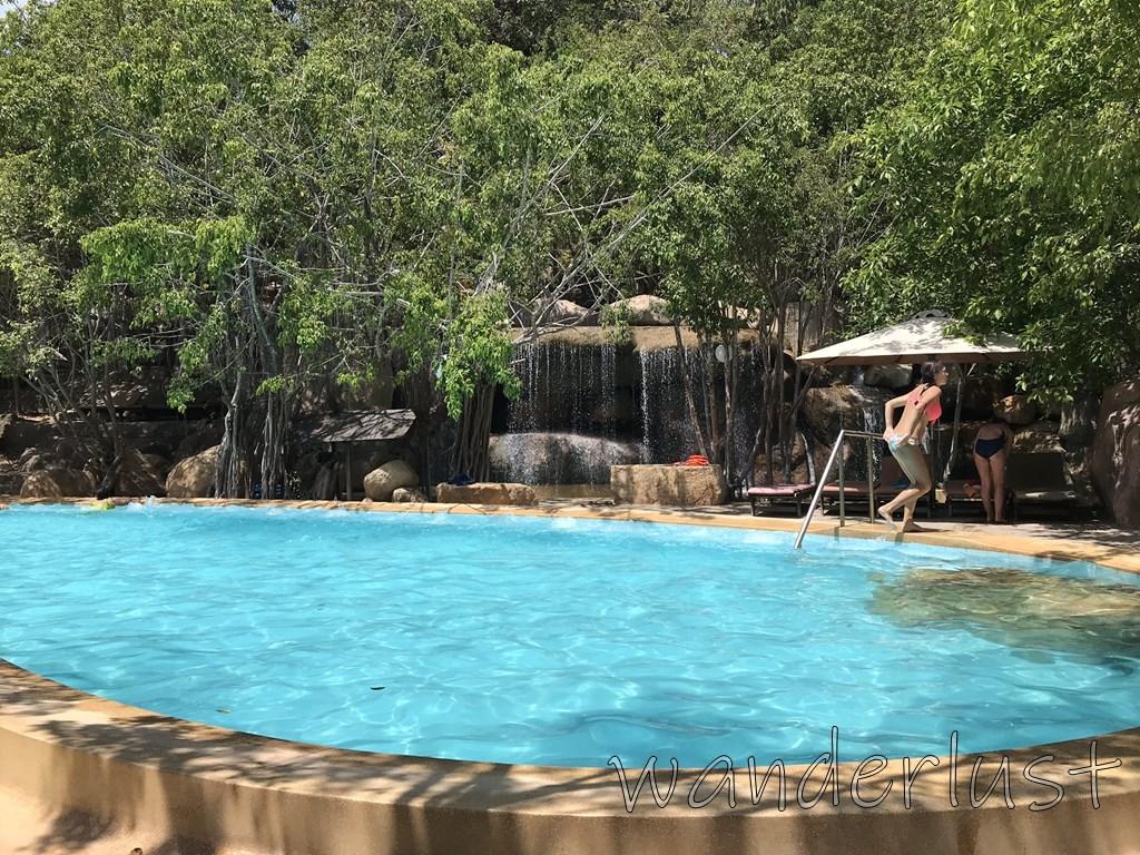 アイリゾートのプール